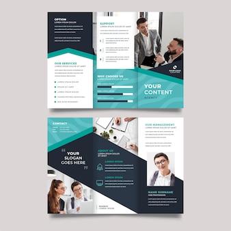 Modelo de impressão de brochura com três dobras para trabalho em equipe