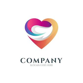 Modelo de logotipo colorido de coração