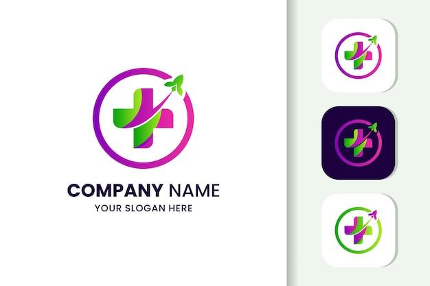 Modelo de logotipo colorido de foguete de saúde cruzada