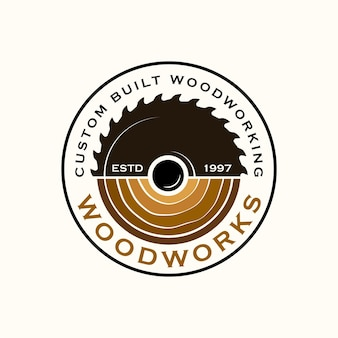 Modelo de logotipo da wood industries company com o conceito de serras e carpintaria e estilo vintage
