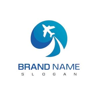 Modelo de logotipo de avião voando para viagens