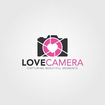 Modelo de logotipo de câmera de amor
