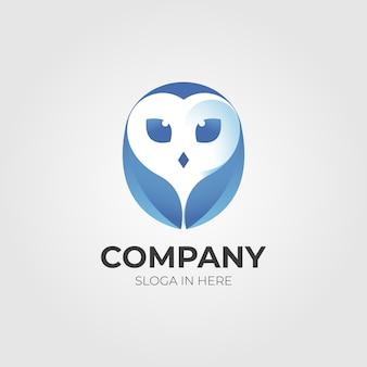 Modelo de logotipo de coruja em um fundo branco