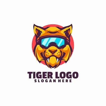 Modelo de logotipo de sorriso de tigre isolado no branco