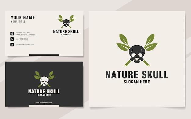 Modelo de logotipo do crânio da natureza em estilo monograma
