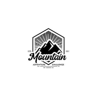Modelo de logotipo vintage de montanha