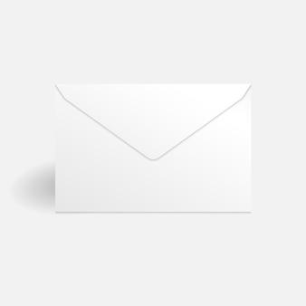 Modelo de maquete de envelope branco isolado no fundo branco com sombra