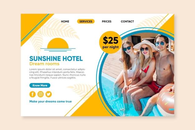 Modelo de página de destino de hotel criativo com foto