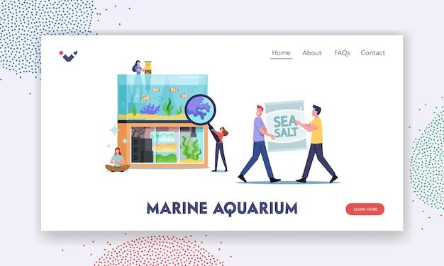 Modelo de página inicial de aquarística hobby. personagens minúsculos perto de um enorme aquário com várias decorações para peixes e algas marinhas e decoração de corais na parte inferior, pessoas cuidam de animais de estimação aquáticos. ilustração em vetor de desenho animado