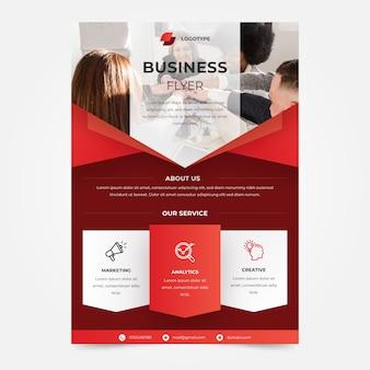 Modelo de panfleto de empresa de trabalho em equipe