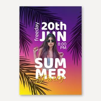 Modelo de panfleto de festa de verão com foto