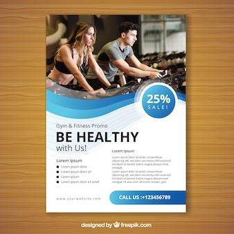 Modelo de panfleto de ginásio azul ondulado