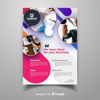 Modelo de panfleto de negócios com estilo moderno