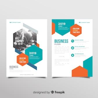 Modelo de panfleto de negócios modernos com desenho geométrico