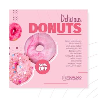 Modelo de panfleto quadrado de donuts deliciosos