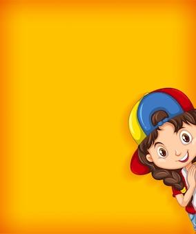 Modelo de plano de fundo com parede de cor lisa e garota feliz