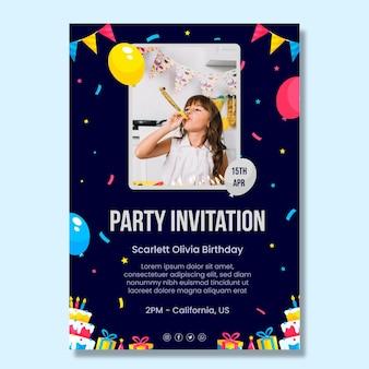 Modelo de pôster de convite de aniversário infantil