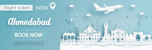 Modelo de publicidade de voo e bilhete com viagens para ahmedabad, conceito de índia e marcos famosos em estilo de corte de papel