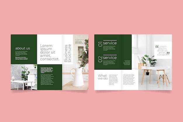 Modelo mínimo para brochura com três dobras