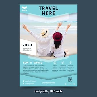 Modelo vibrante de panfleto de viagens com foto