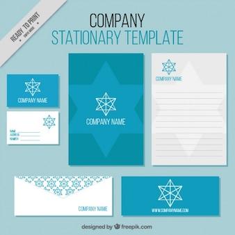 Modelos de folhetos negócios com a estrela geométrica