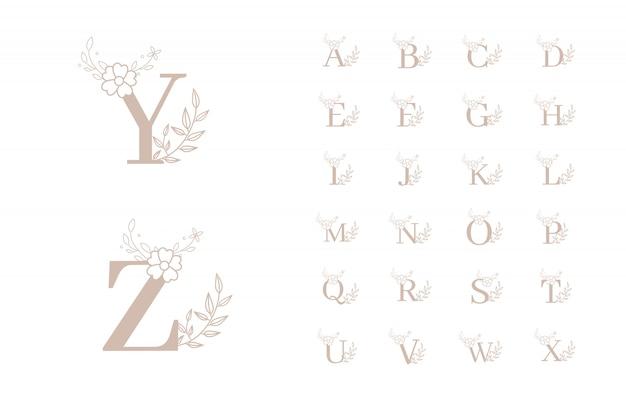 Modelos de logotipo inicial floral feminino