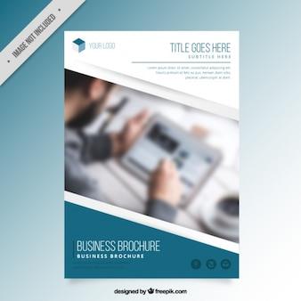 Moderno modelo de brochura de negócio simples