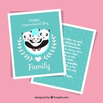 Molde do cartão com pandas para o dia internacional da família