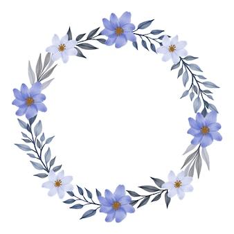 Moldura de círculo de guirlanda floral cinza com borda de flor branca e roxa