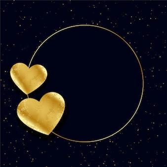 Moldura de corações de ouro com fundo de espaço de texto