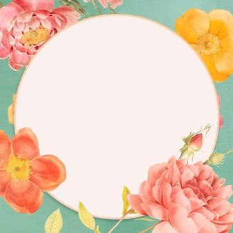 Moldura de espaço em branco decorada com flores vivas