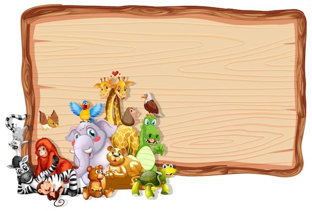 Moldura de madeira com animais fofos