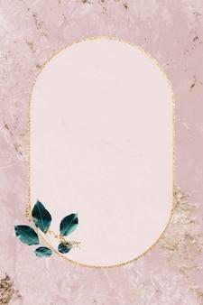 Moldura dourada com padrão de folhagem no vetor de plano de fundo texturizado de mármore