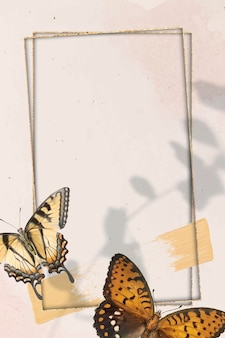 Moldura dourada com vetor de fundo com padrão de borboleta