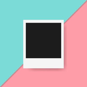 Moldura polaroid em fundo colorido