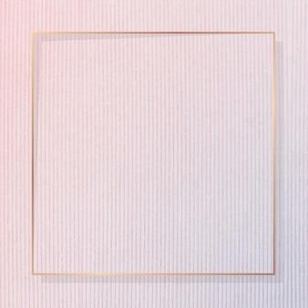 Moldura quadrada de ouro em vetor de fundo texturizado de veludo cotelê rosa