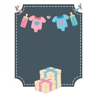 Moldura quadrada e elementos de aniversário de bebê
