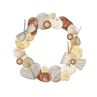 Moldura redonda de crochê, composição de ganchos, fios, coração de crochê, laço, flores.