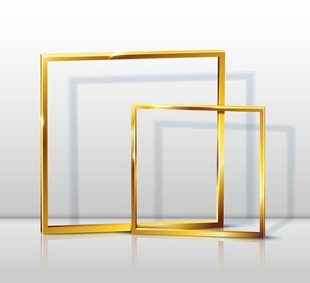 Molduras douradas na sala cinza
