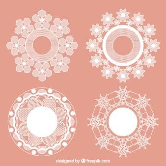 Molduras redondas com flores de renda