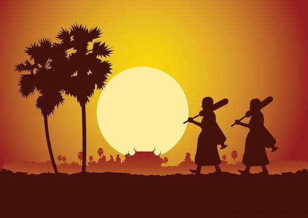 Monge sair da peregrinação do templo da estrada