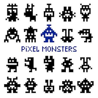 Monstros de espaço retrô pixel e invasores alienígenas de videogame vector illustration
