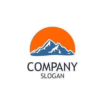 Montanha com grande sol logo design