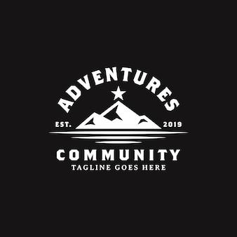 Montanha preta simples negrito com design de logotipo de estrela
