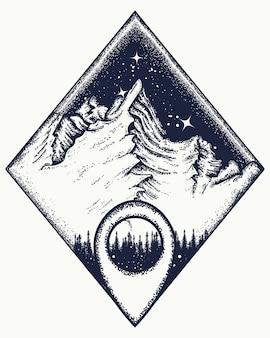 Montanhas e tatuagem de ponteiro de mapa