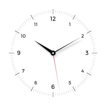 Mostrador de relógio branco com ponteiro preto e vermelho sobre fundo branco