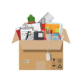 Movendo-se para um novo escritório. caixa de papelão