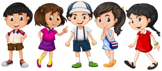 Muitas crianças com grande sorriso