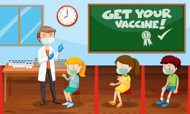 Muitas crianças esperando na fila para receber a vacina covid-19