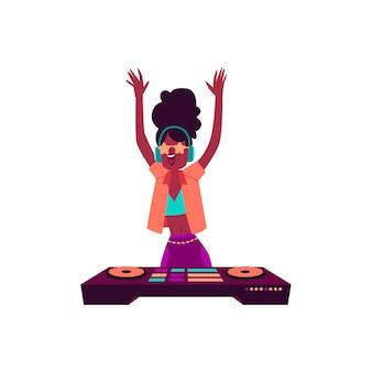 Mulher africana no console de dj com os braços levantados para cima, estilo cartoon